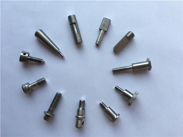 Tehase varustus CNC treimisosadega titaanisulamist osad