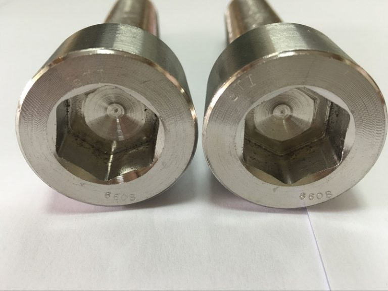kinnitusdetailide tootjad DIN 6912 titaanist kuusnurkpesaga polt
